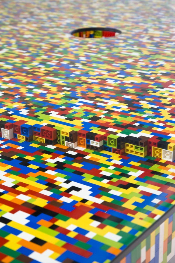 Boardroom table made from lego bricks dzine trip for Table design lego