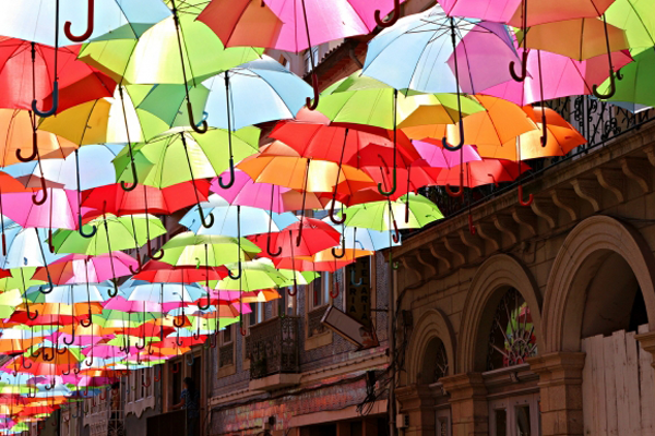 colorful-umbrella-installation-agueda-portugal-patricia-almeida-04