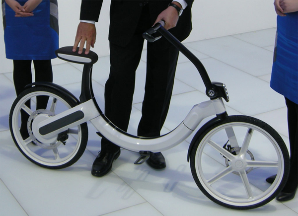 volkswagen introduces its first ever electric bike dzine. Black Bedroom Furniture Sets. Home Design Ideas