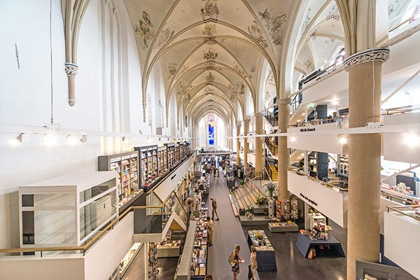 broerenkerk-church-transformed-into-a-bookstore-zwolle-netherlands-01