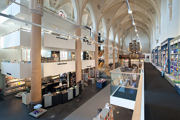 broerenkerk-church-transformed-into-a-bookstore-zwolle-netherlands-09