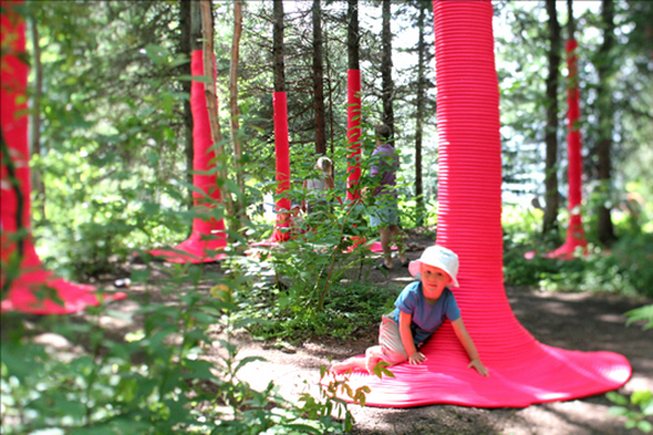 pink-punch-installation-by-nicholas-croft-jardinsdeMétis-Internationa-l -Festival-Quebec-06
