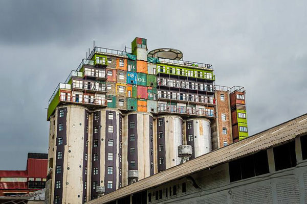 student-housing-shipping-container-in-johannesburg-by-citiq-01